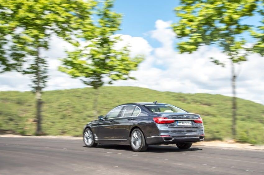 MEGA GALLERY: G11 BMW 7 Series in detail Image #372495