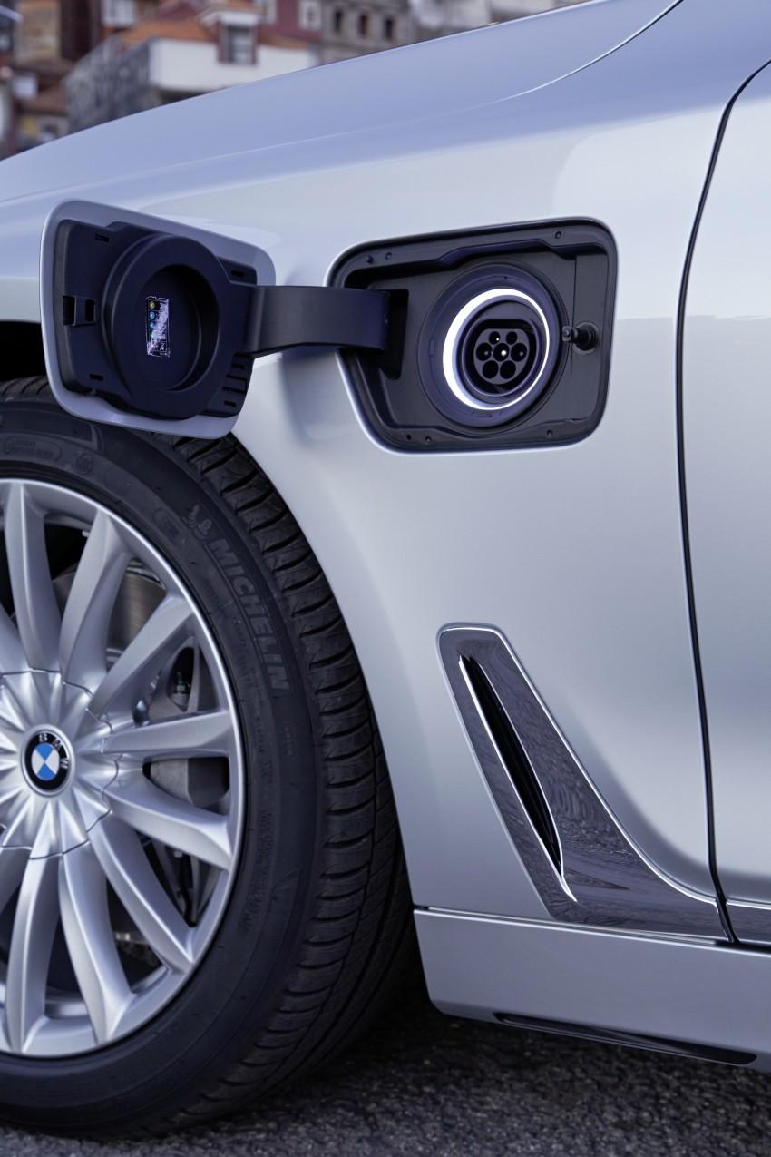 MEGA GALLERY: G11 BMW 7 Series in detail Image #372536