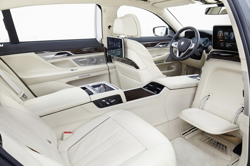 MEGA GALLERY: G11 BMW 7 Series in detail Image #372636