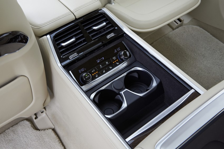 MEGA GALLERY: G11 BMW 7 Series in detail Image #372652