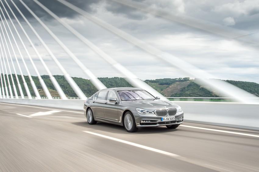 MEGA GALLERY: G11 BMW 7 Series in detail Image #372543