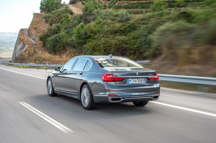 MEGA GALLERY: G11 BMW 7 Series in detail Image #372547