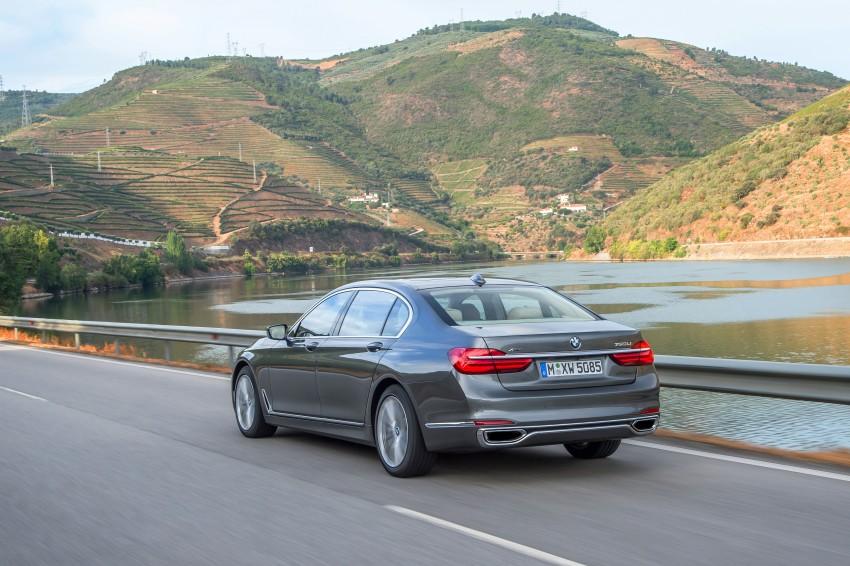 MEGA GALLERY: G11 BMW 7 Series in detail Image #372548