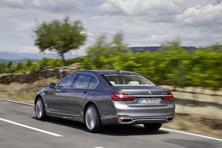 MEGA GALLERY: G11 BMW 7 Series in detail Image #372551
