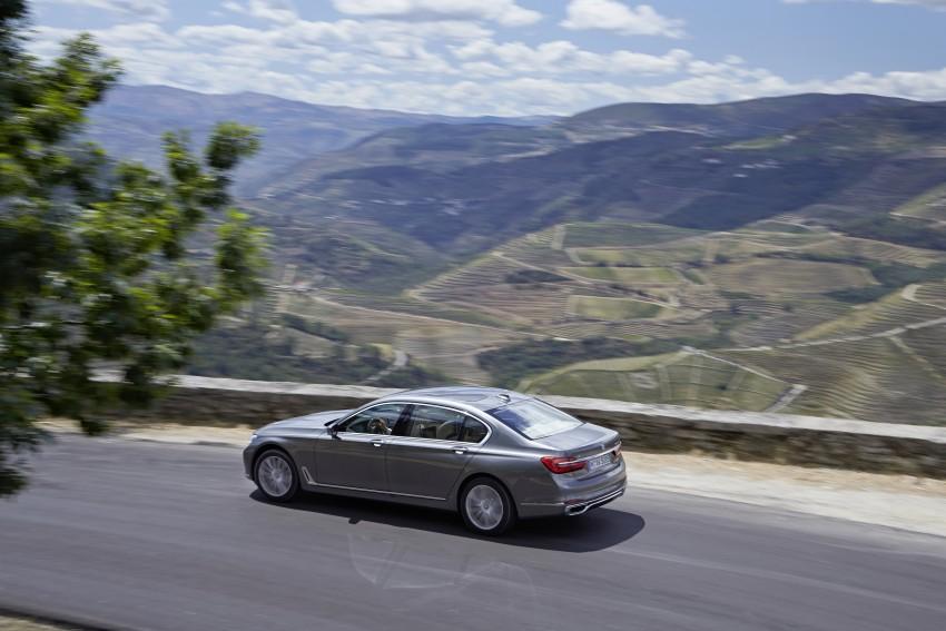 MEGA GALLERY: G11 BMW 7 Series in detail Image #372565