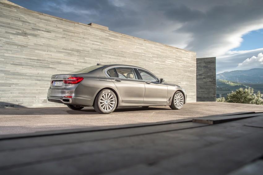 MEGA GALLERY: G11 BMW 7 Series in detail Image #372591