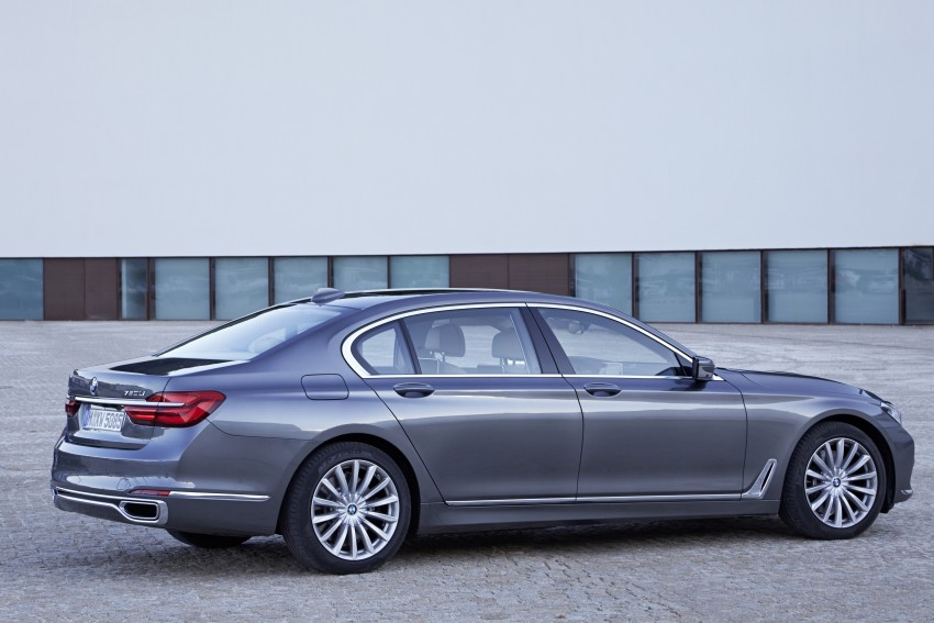 MEGA GALLERY: G11 BMW 7 Series in detail Image #372595