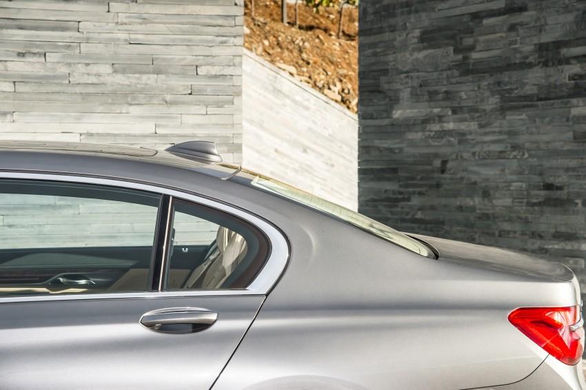 MEGA GALLERY: G11 BMW 7 Series in detail Image #372613