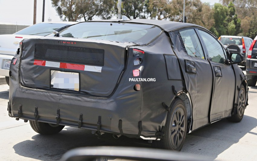 SPIED: 2016 Toyota Prius shows interior for first time! Image #367262