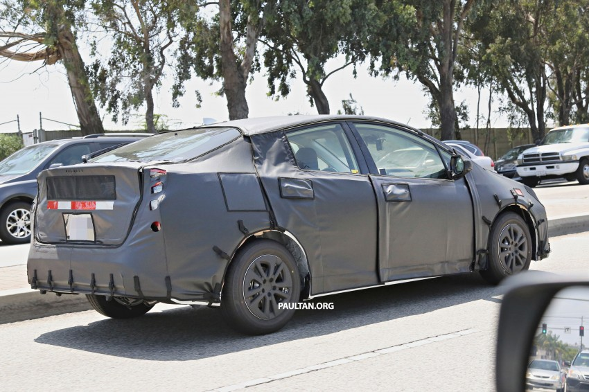 SPIED: 2016 Toyota Prius shows interior for first time! Image #367259
