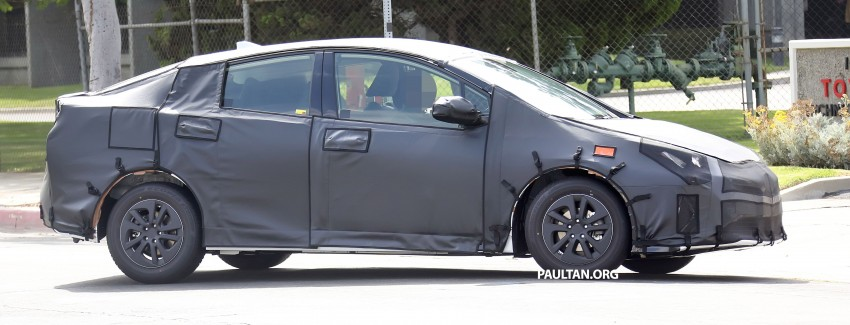 SPIED: 2016 Toyota Prius shows interior for first time! Image #367256