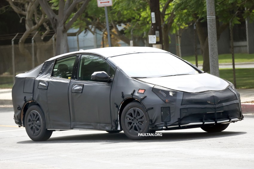 SPIED: 2016 Toyota Prius shows interior for first time! Image #367255