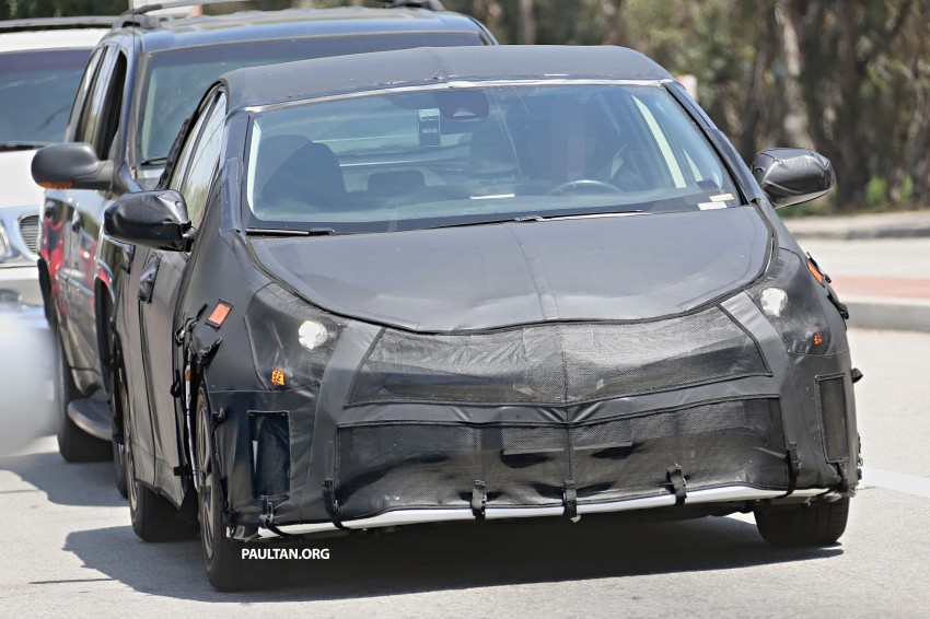 SPIED: 2016 Toyota Prius shows interior for first time! Image #367252