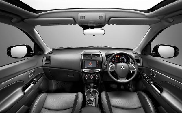 2015-Mitsubishi-ASX-Cabin