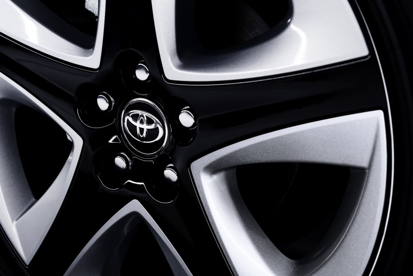 2016 Toyota Prius officially unveiled – 4th-gen hybrid promises improved fuel economy, ride and handling Image #377658