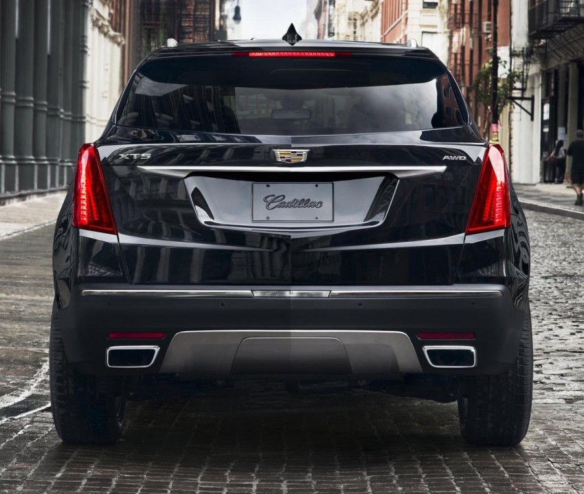 VIDEO: 2017 Cadillac XT5 SUV teased via NYC flyby Image #378470