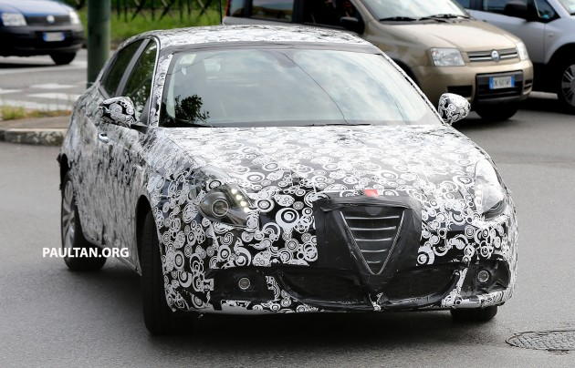 SPIED: Alfa Romeo Giulietta facelift spotted in Italy on alfa romeo 8c, alfa romeo 147, alfa romeo cars, alfa romeo models, alfa romeo giulia, alfa romeo 1750, alfa romeo gtv, alfa romeo brera, alfa romeo sedan, alfa romeo trucks, alfa romeo graduate, alfa romeo gtv6, alfa romeo spider veloce, alfa romeo zagato, alfa romeo alfetta, alfa romeo c spiders, alfa romeo 164, alfa romeo gta, alfa romeo 75, alfa romeo gt,