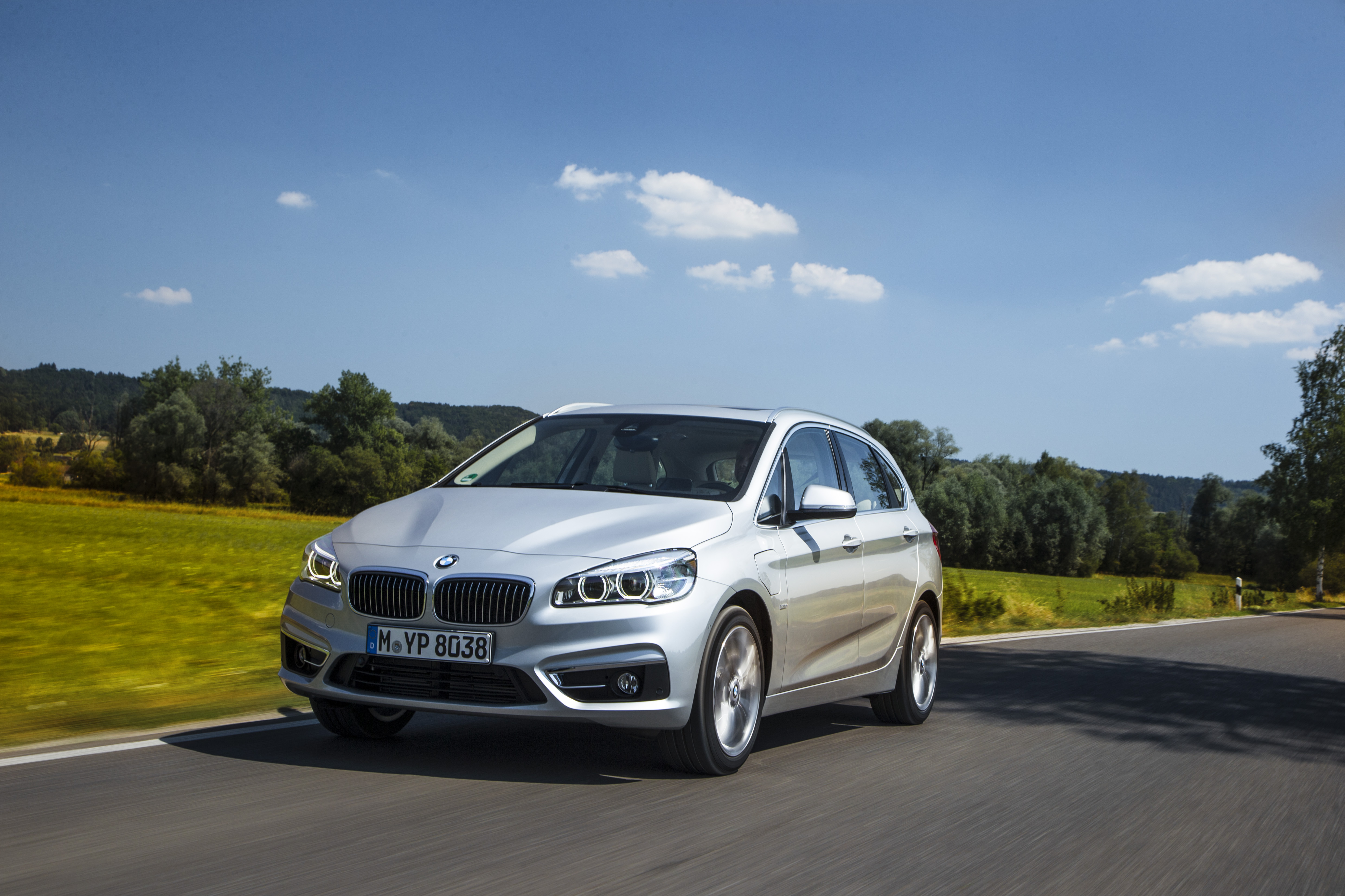 F45 Bmw 225xe Active Tourer Plug In Hybrid Debuts Paul Tan