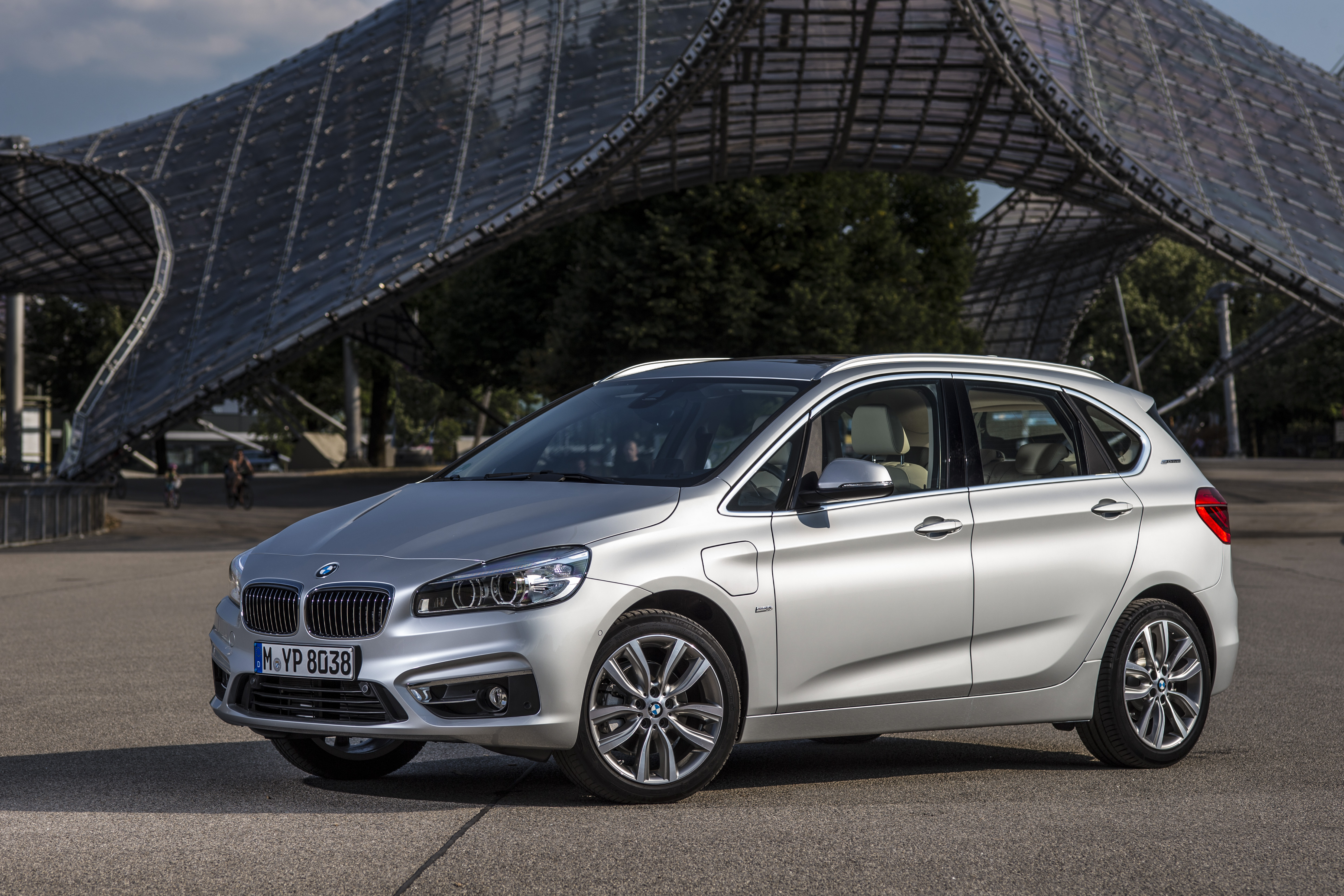 F45 Bmw 225xe Active Tourer Plug In Hybrid Debuts Image 374851