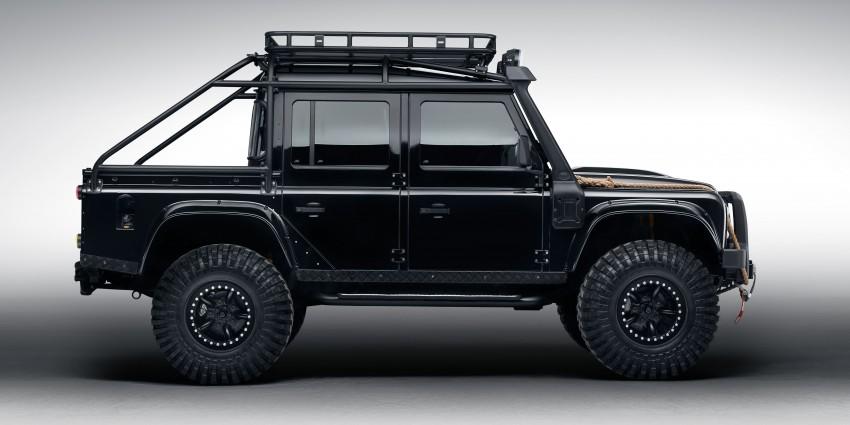 Jaguar Land Rover showcases its trio of Bond cars Image #380834