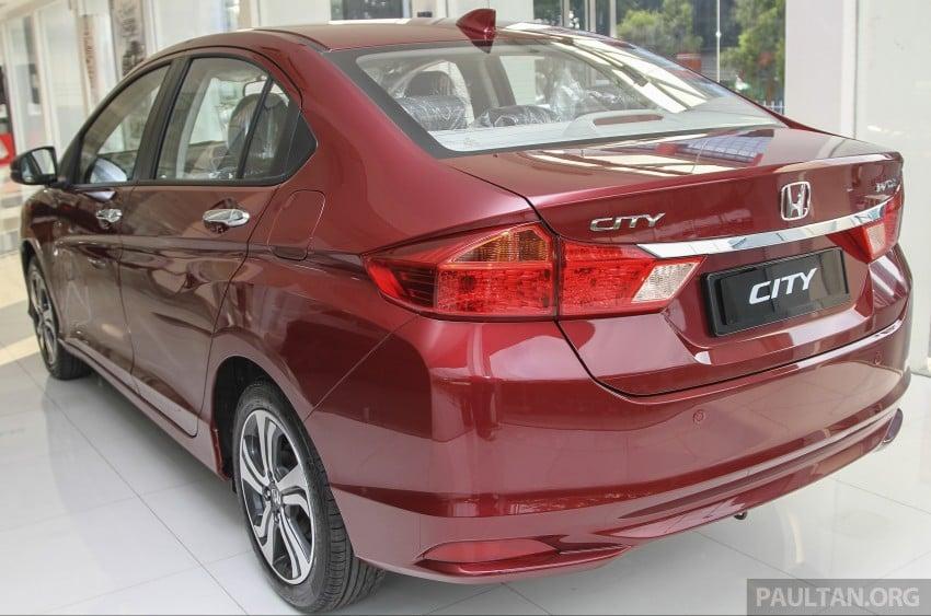 GALLERY: Honda City 1.5 V in Dark Ruby Red Pearl Image #375308
