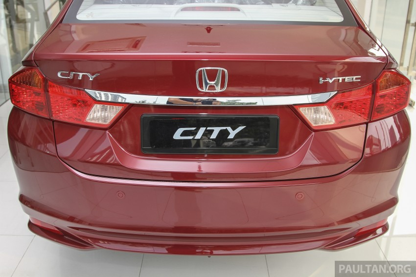 GALLERY: Honda City 1.5 V in Dark Ruby Red Pearl Image #375309