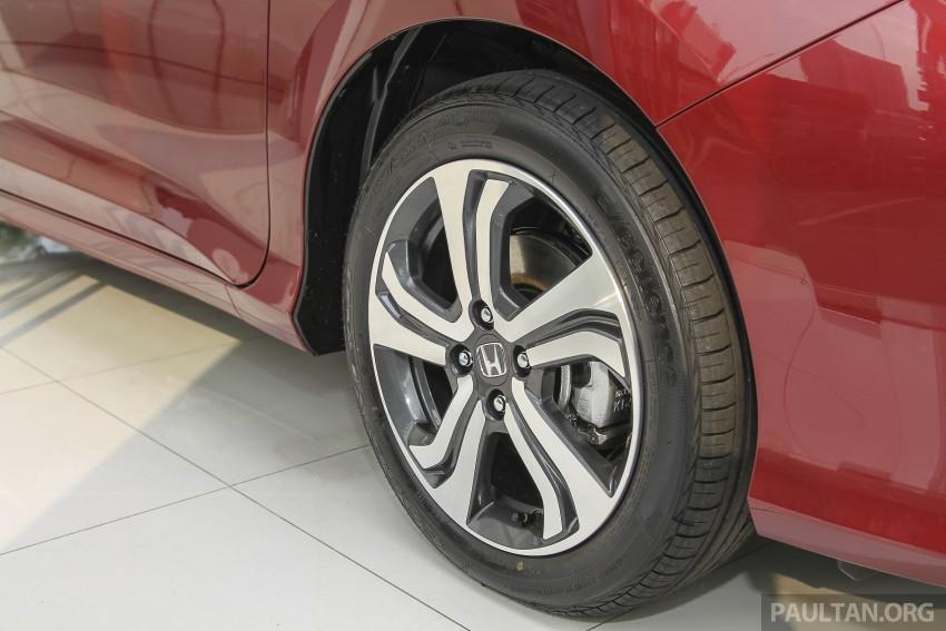 GALLERY: Honda City 1.5 V in Dark Ruby Red Pearl Image #375311