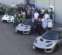 Lotus-Evora-400-rolls-out