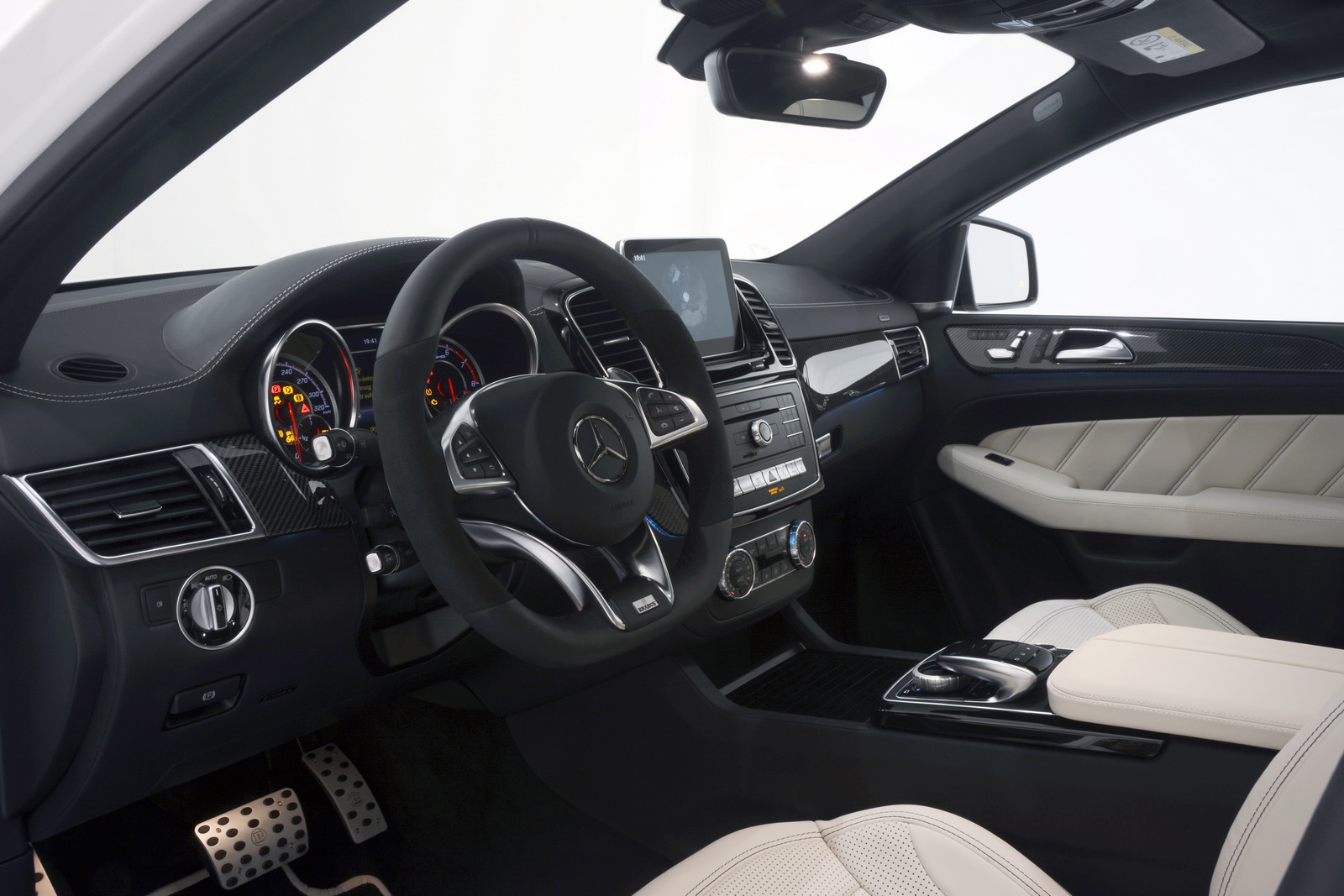 Frankfurt 2015: Brabus 850 6.0 Biturbo 4×4 Coupe is a ...