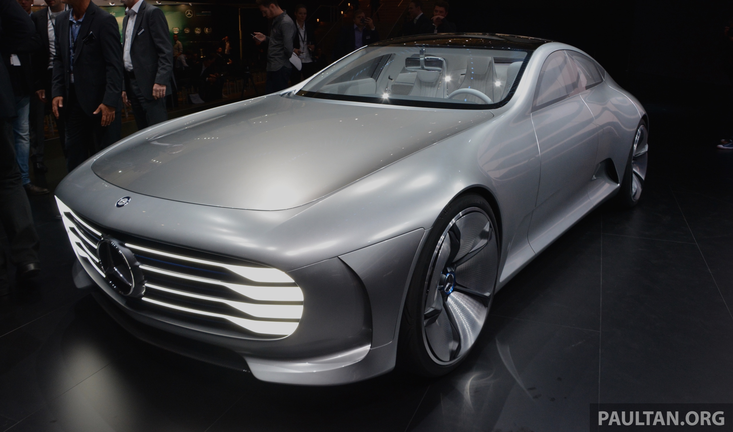 Frankfurt 2015 mercedes benz concept iaa debuts paul tan for Mercedes benz frankfurt