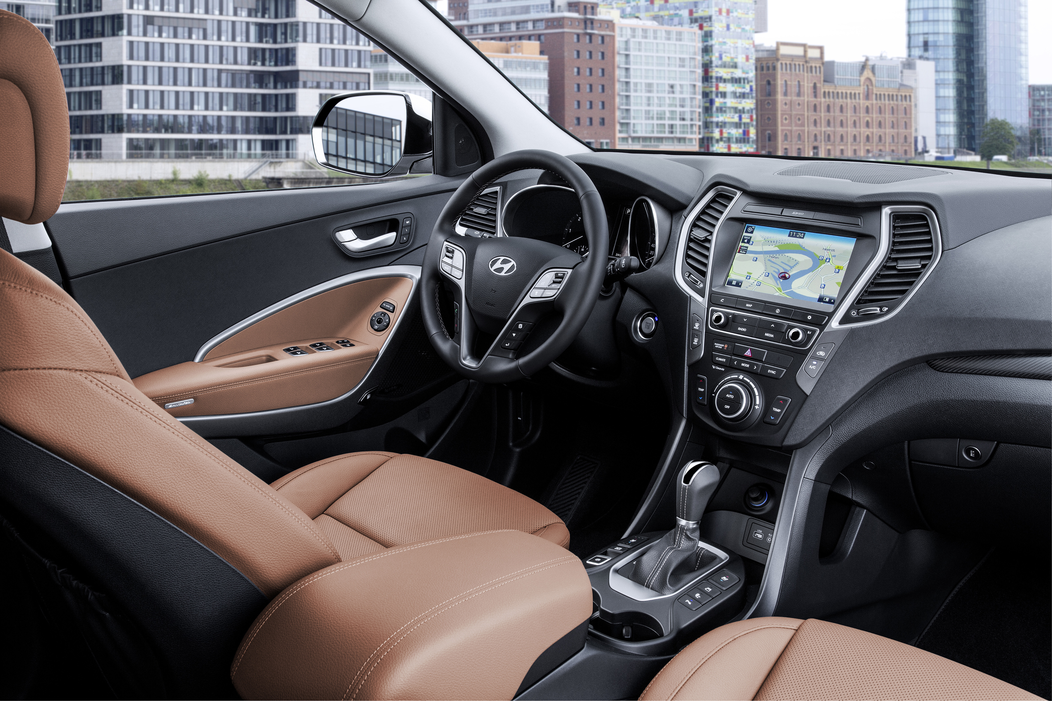 Hyundai Santa Fe Facelift I20 Active And I40 With Android