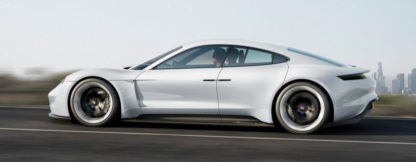 Frankfurt 2015: Porsche Mission E Concept revealed Image #379050