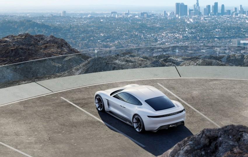 Frankfurt 2015: Porsche Mission E Concept revealed Image #379052