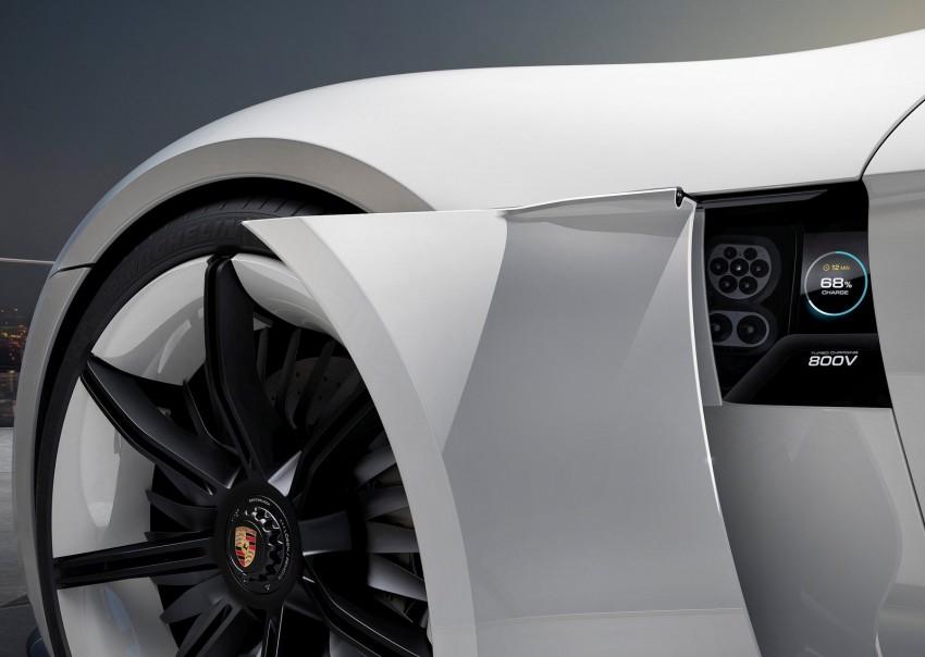Frankfurt 2015: Porsche Mission E Concept revealed Image #379057