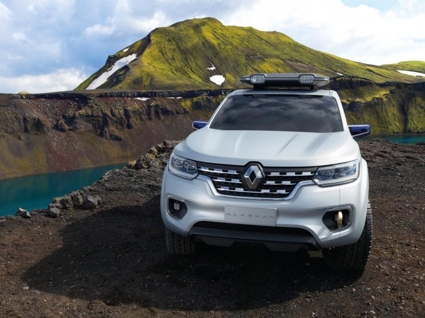 Renault Alaskan pick-up truck concept unveiled; Frankfurt debut – it's a French Nissan NP300 Navara! Image #375398
