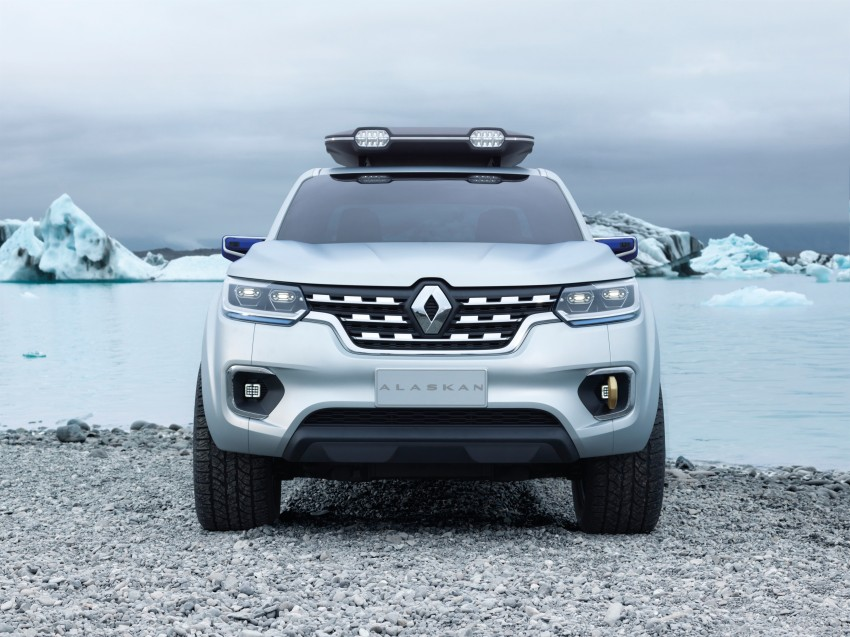 Renault Alaskan pick-up truck concept unveiled; Frankfurt debut – it's a French Nissan NP300 Navara! Image #375401