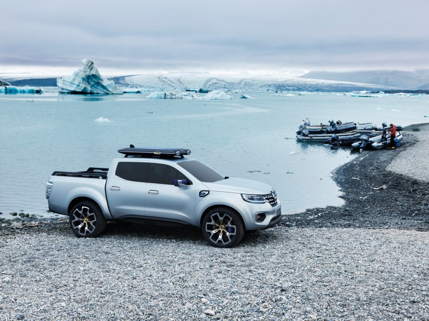 Renault Alaskan pick-up truck concept unveiled; Frankfurt debut – it's a French Nissan NP300 Navara! Image #375403