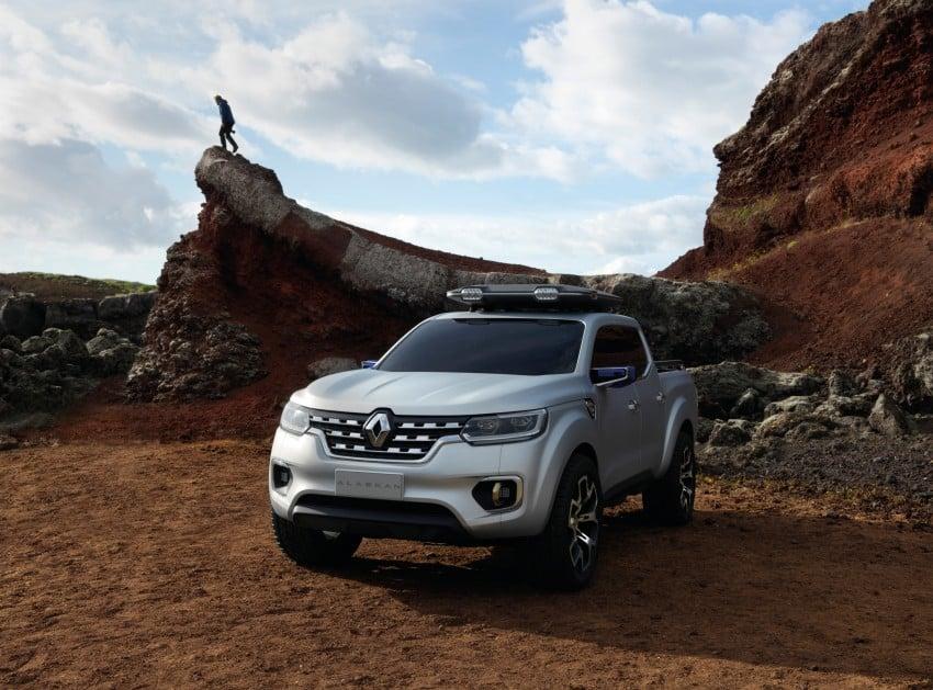 Renault Alaskan pick-up truck concept unveiled; Frankfurt debut – it's a French Nissan NP300 Navara! Image #375405