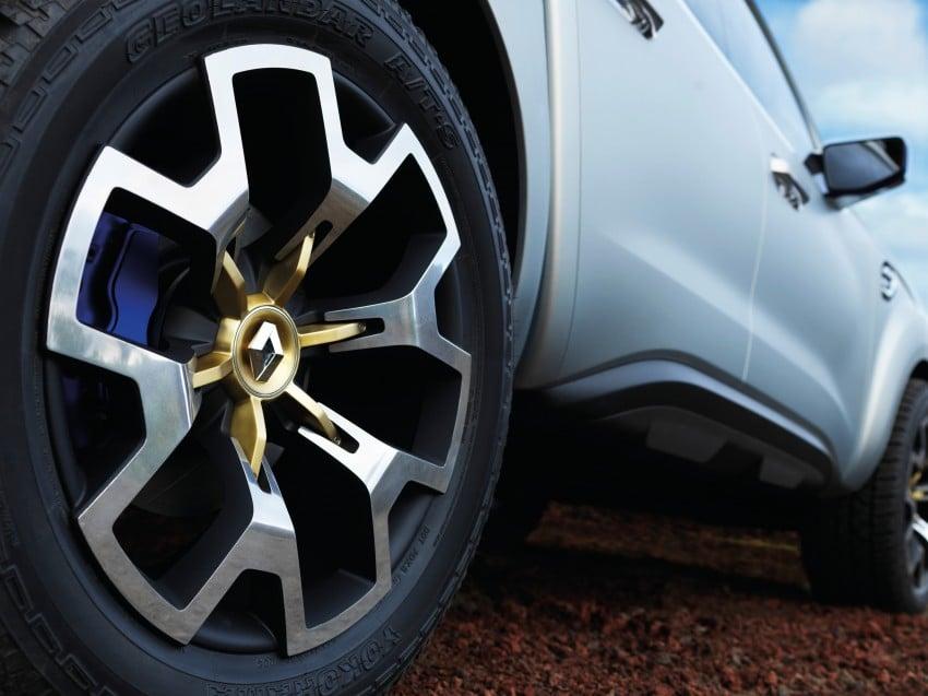 Renault Alaskan pick-up truck concept unveiled; Frankfurt debut – it's a French Nissan NP300 Navara! Image #375406