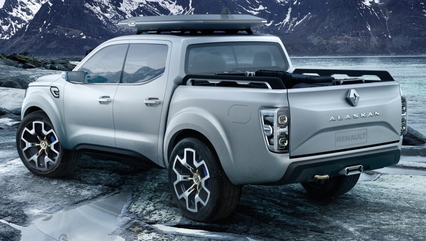 Renault Alaskan pick-up truck concept unveiled; Frankfurt debut – it's a French Nissan NP300 Navara! Image #375416