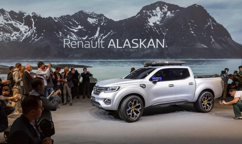 Renault Alaskan pick-up truck concept unveiled; Frankfurt debut – it's a French Nissan NP300 Navara! Image #375423