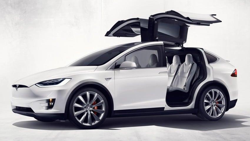 Tesla Model X finally debuts – three-row SUV detailed Image #385582