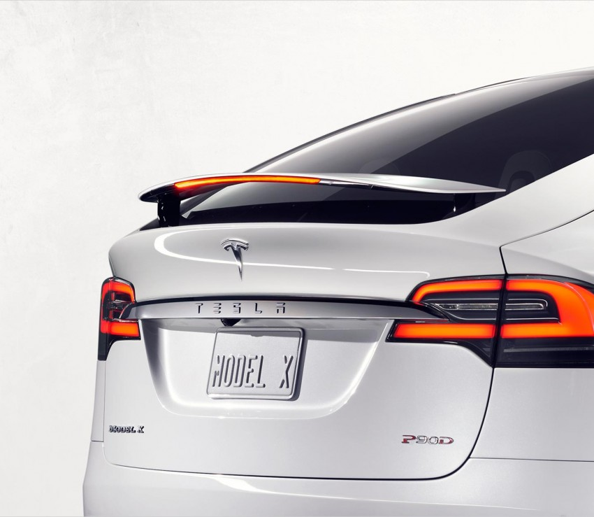 Tesla Model X finally debuts – three-row SUV detailed Image #385578