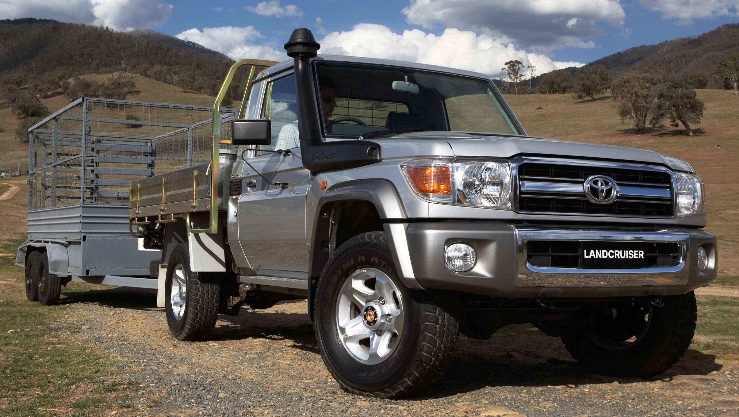 Toyota Land Cruiser 70 Set To Be 5 Star Ancap Rated Paul Tan Image 2015 383176