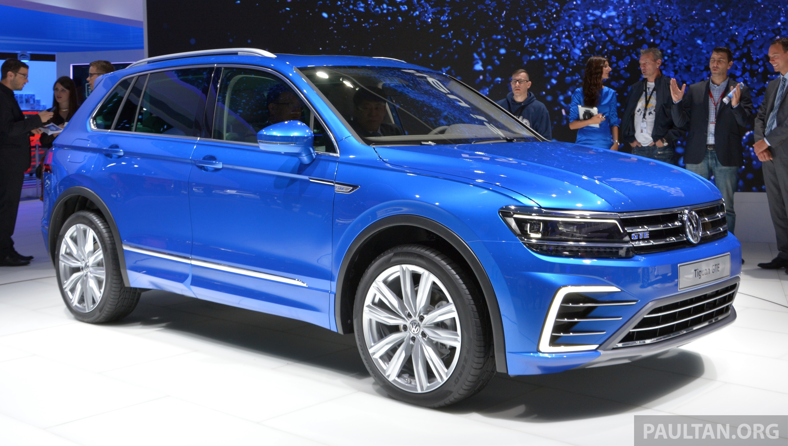 gallery volkswagen tiguan gte and r line at iaa image 380899. Black Bedroom Furniture Sets. Home Design Ideas