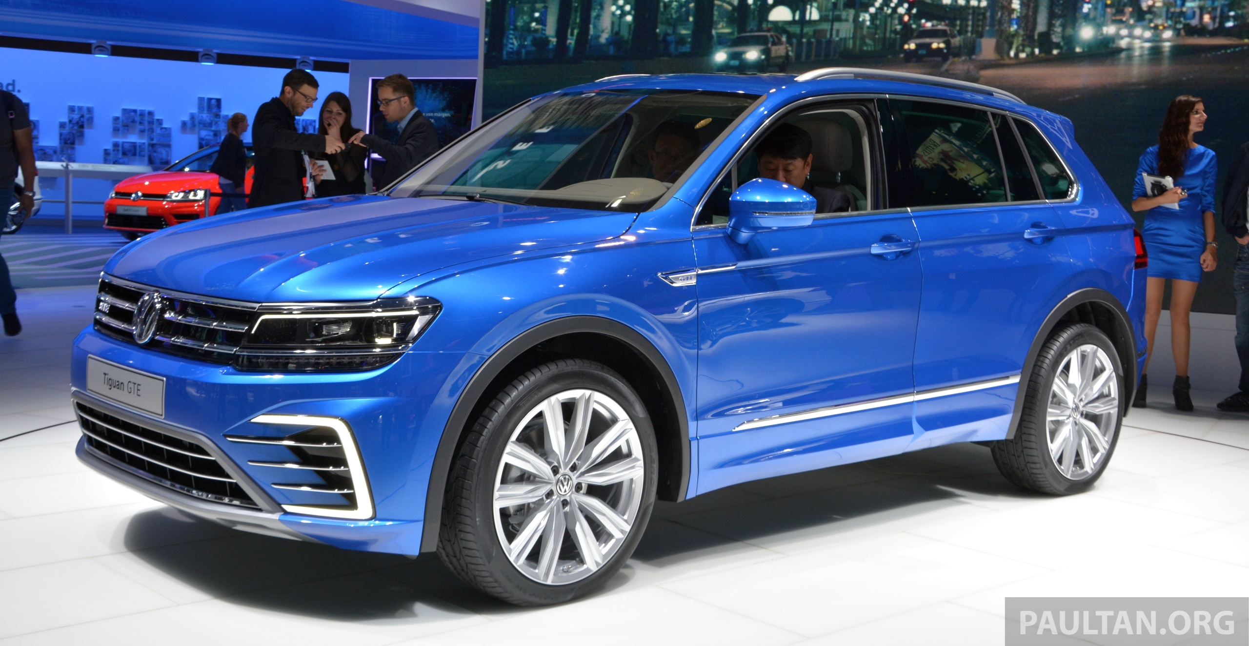 gallery volkswagen tiguan gte and r line at iaa paul tan image 380901. Black Bedroom Furniture Sets. Home Design Ideas