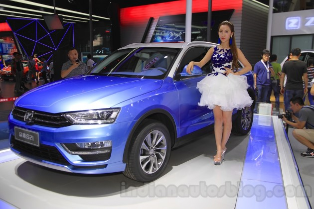 Zotye-S21-at-the-2014-Chengdu-Motor-Show