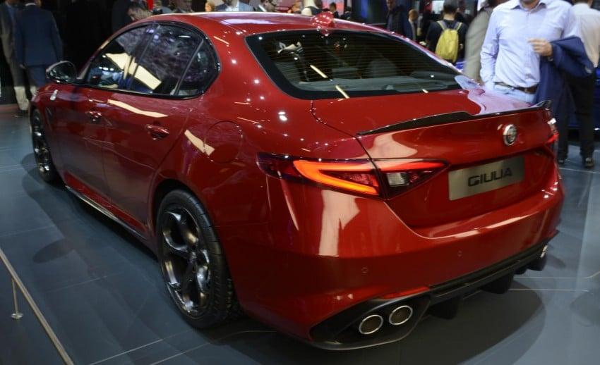 Frankfurt 2015: Alfa Romeo Giulia Quadrifoglio makes first public appearance – full look of the interior! Image #380397