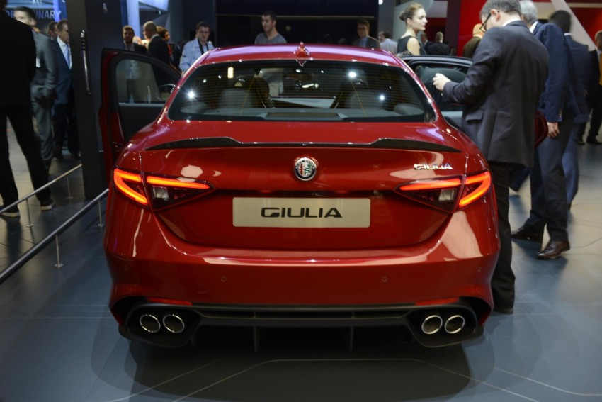 Frankfurt 2015: Alfa Romeo Giulia Quadrifoglio makes first public appearance – full look of the interior! Image #380398