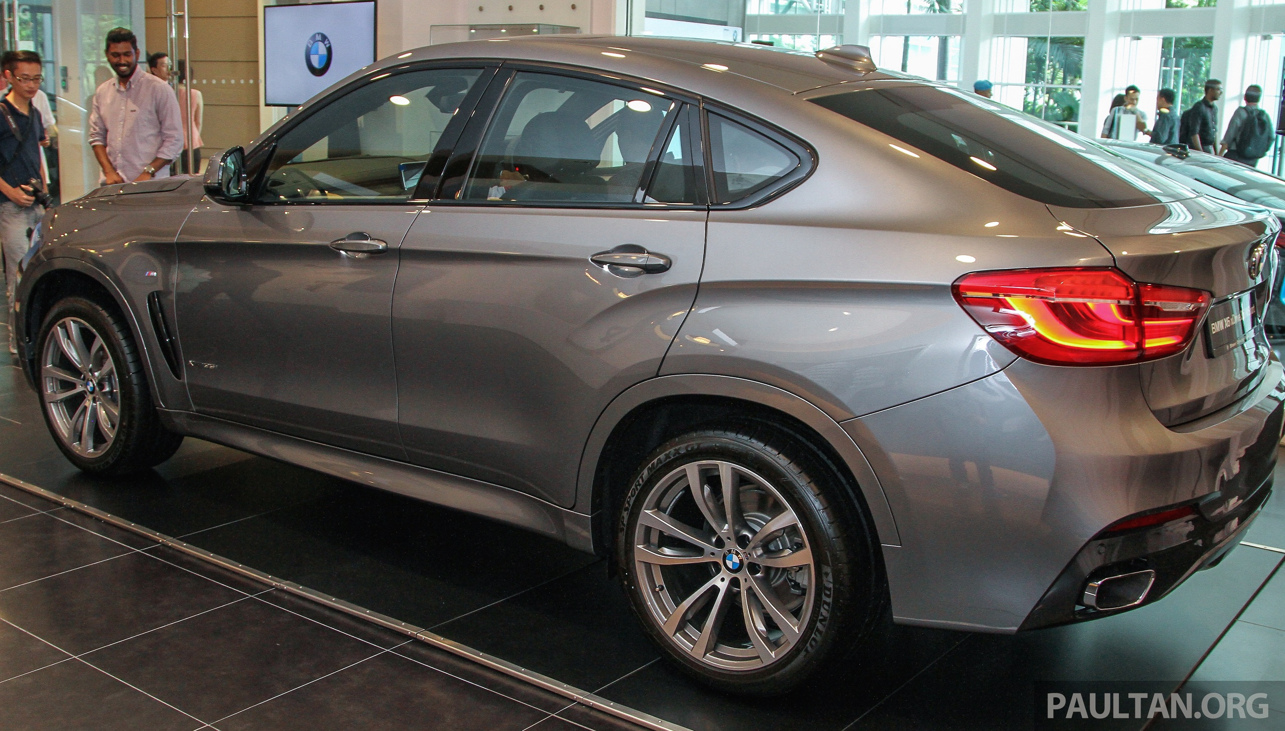bmw x6 xdrive35i ckd launched in m sia rm667k image 377829. Black Bedroom Furniture Sets. Home Design Ideas